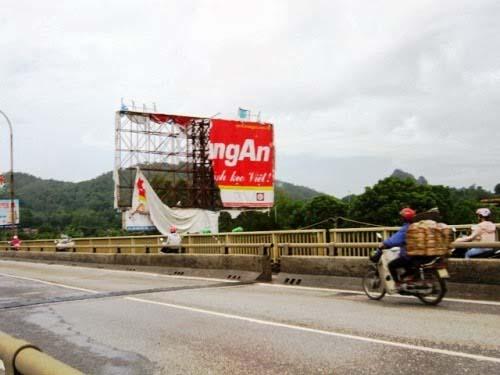 Sửa chữa biển quảng cáo tấm lớn tại Hà Nội